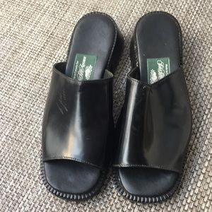 Roots black leather slippers sandal with heel